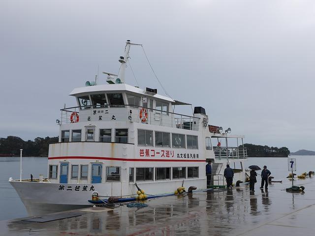 松島から塩釜へ、カモメたちの自由に憧れつつ、遊覧船で島を巡ってきました!