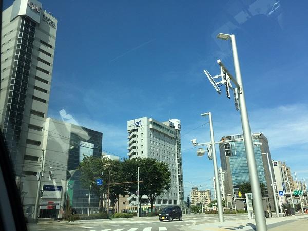 富山駅南口タクシー乗り場からみた市街