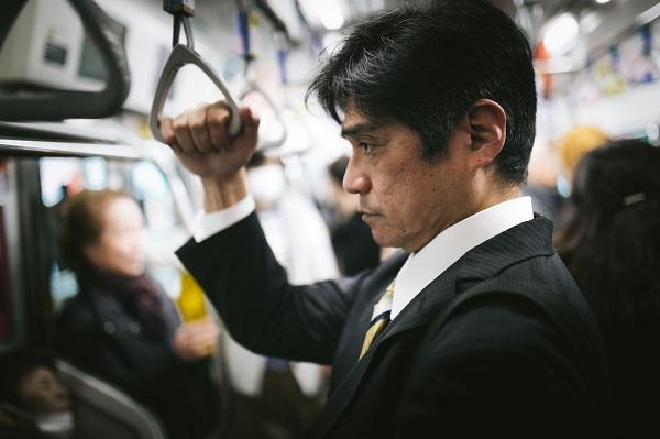 満員電車で通勤