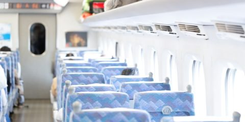 新幹線のリクライニングシートを倒す際に心がけたいこと! 騒動には絶対巻き込まれたくない!
