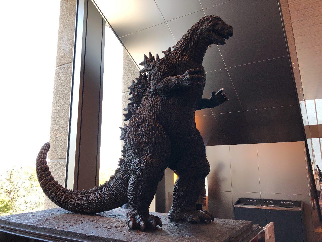 「東京ミッドタウン日比谷」6階へあがると東宝シネマズへ、またもやゴジラに遭遇