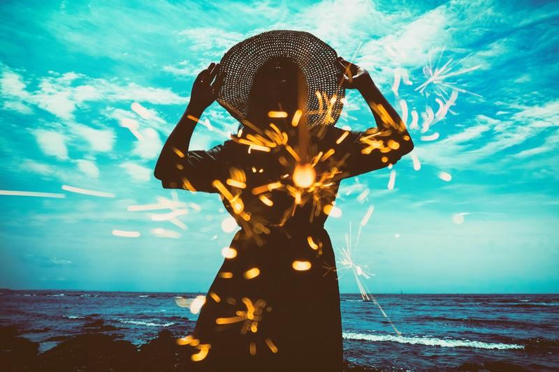 驚愕の事実!花火は水中でも火がつく! 打ち上げ花火は、雨・水に強く、風に弱い!