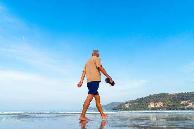 在職老齢年金制度:働き続けると年金が減るという「28万円の壁」と「46万円の壁」の不条理