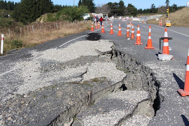 実際に買って備えている必要最低限の地震対策グッズ